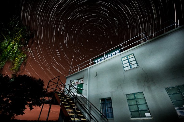 by Andrew Stawarz - Exposure: Composite of 100 shots - each of 30 seconds