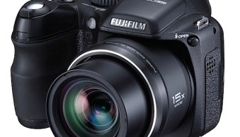 Fujifilm Finepix S2000HD Review