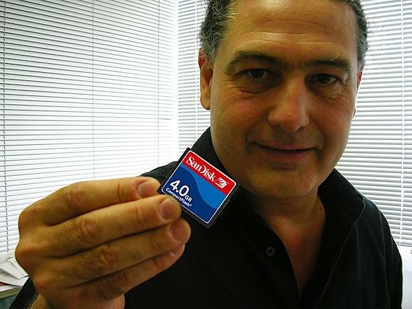 Plamen & CF card 1.jpg