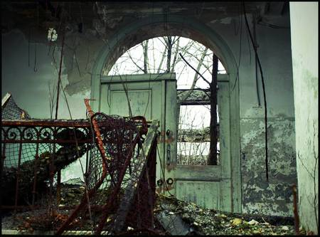 30 Striking Photos Showing the Beauty of Urban Decay  |Urban Decay Photography