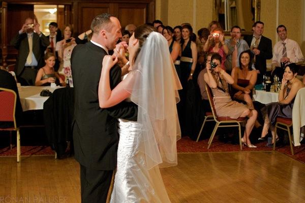 """7 Tips for Better """"First Dance"""" Wedding Shots"""