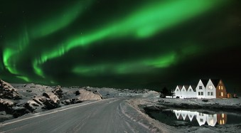An Introduction to Photographing the Northern/Southern Lights