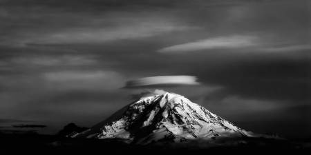 Mount Rainer by Frank Melchior