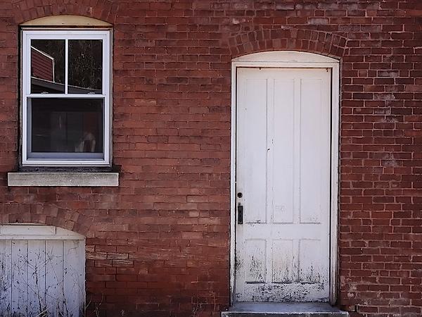 hx5v-brickwall.jpg