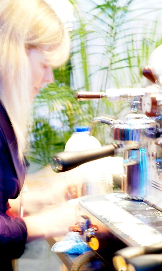 Sony-NEX-C3咖啡壶Blur 1.JPG