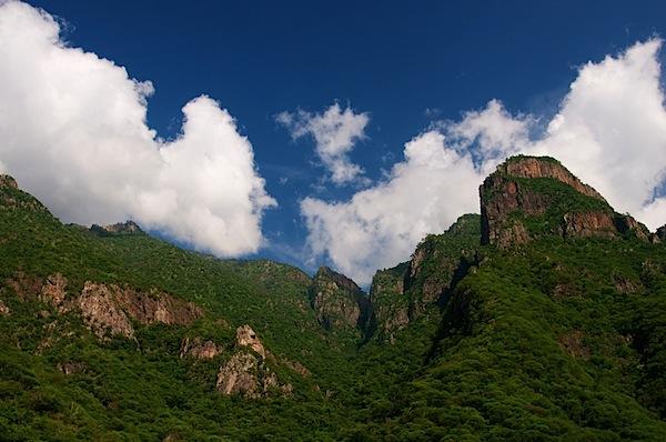 11 Canyon Clouds Polarized - Copper Canyon, Mexico - Copyright 2011 Ralph Velasco.jpg