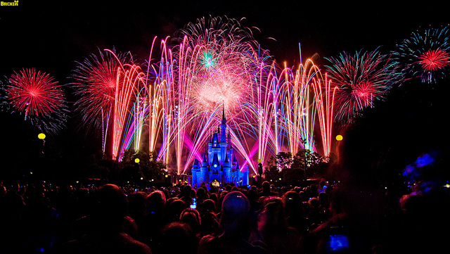Walt Disney World's Summer Nightastic! Fireworks Spectacular Grand Finale (75 Second Exposure)