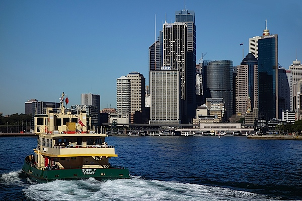 Ferry and city.JPG