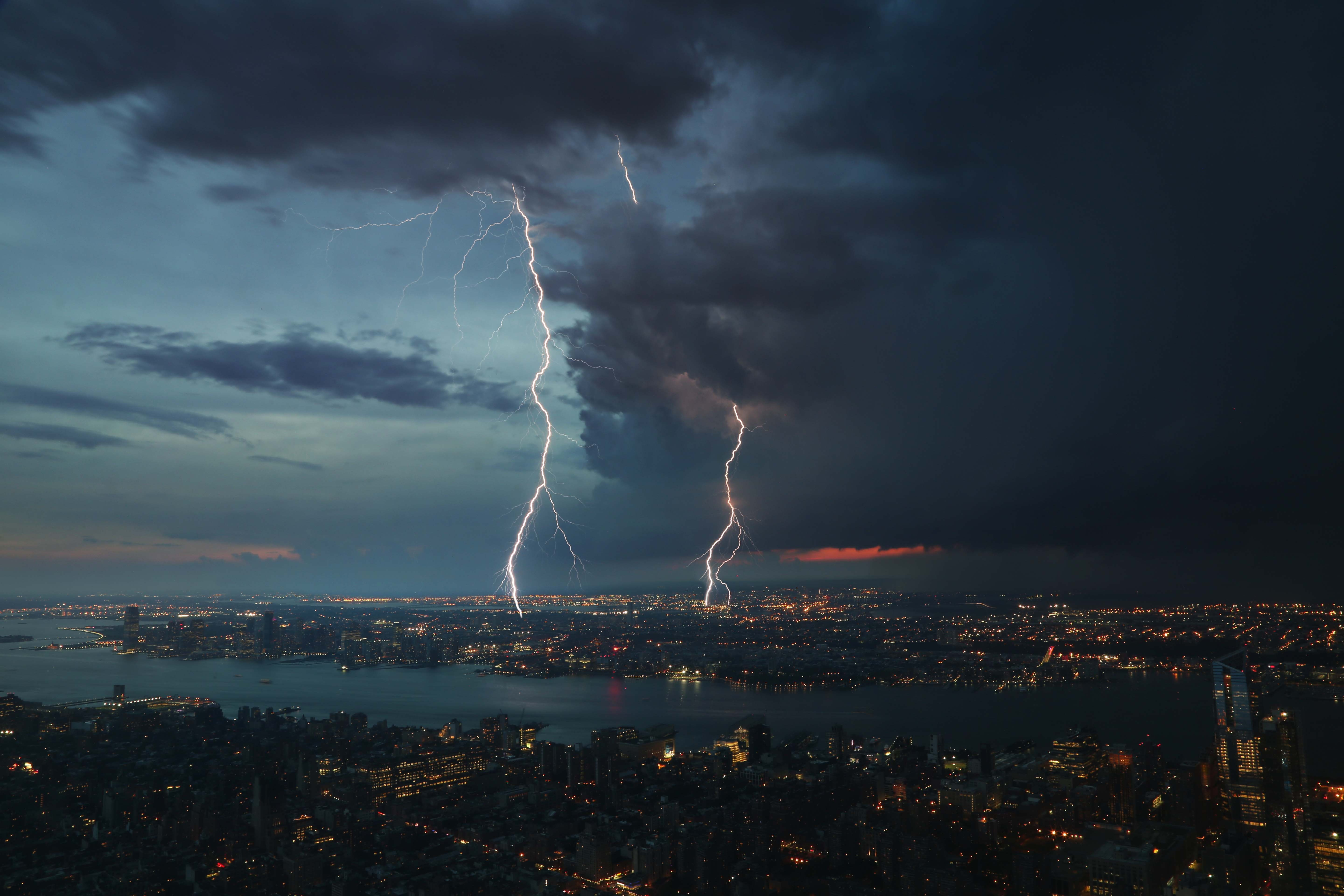 How to Photograph Lightning with a Cell Phone