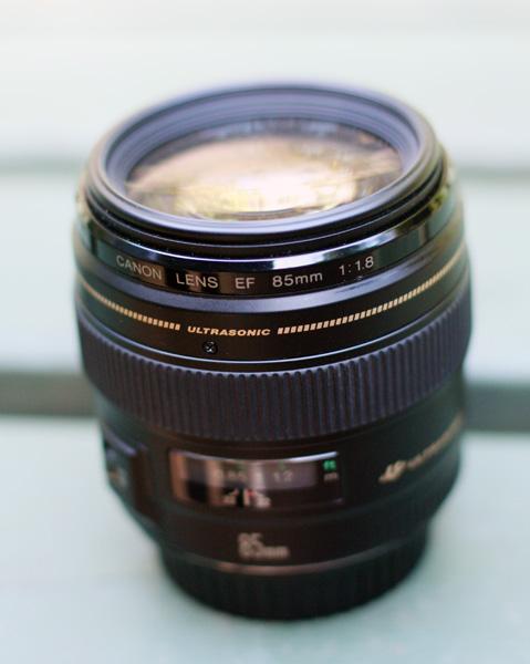 Canon EF 85mm f1.8 lens