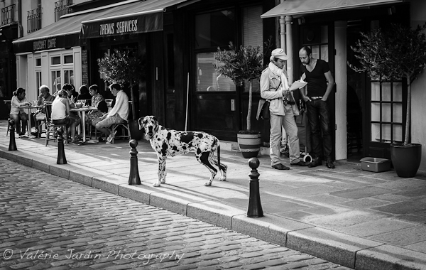 Image: When shooting street photography with a DSLR, a small lens such as a 50mm also has the advant...