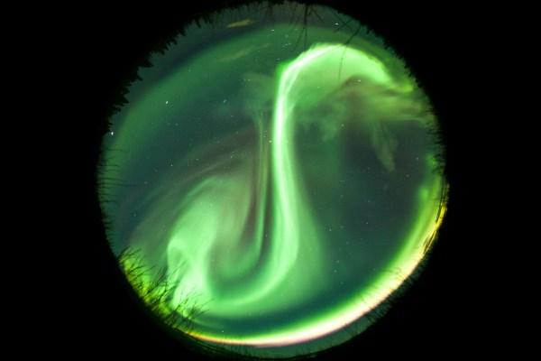 Image: Fisheye Aurora: Canon 5D, 8mm lens, 30 secs, f3.5, ISO800