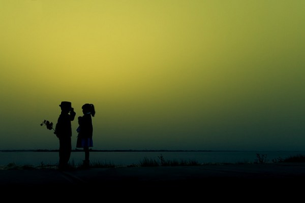 Silhouettes: Weekly Photography Challenge [With 18 Examples]