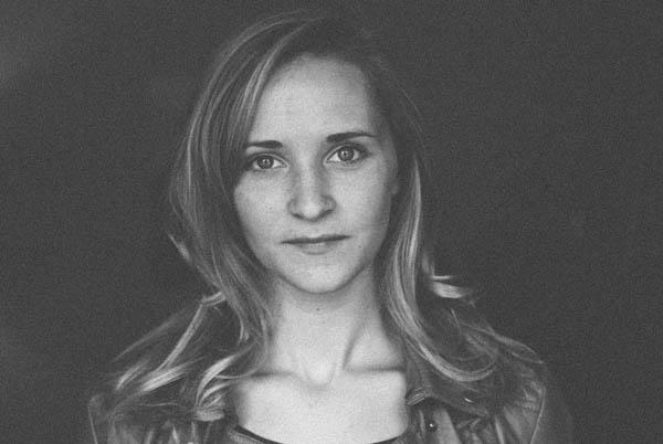 senior portrait tips black and white