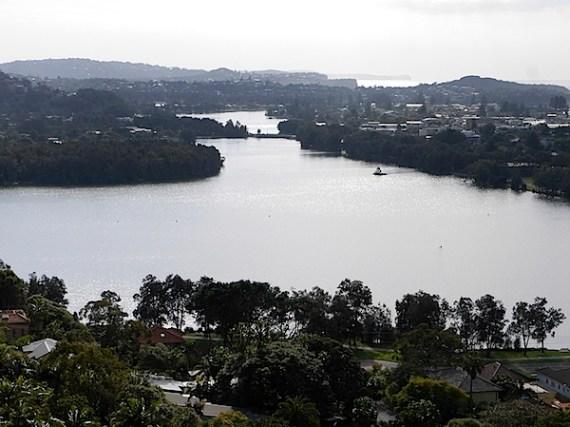 纳拉宾湖2.JPG