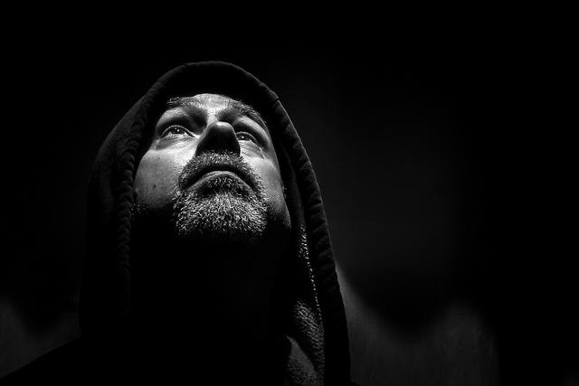 Speedlight Lit Portraits: Weekly Photography Challenge