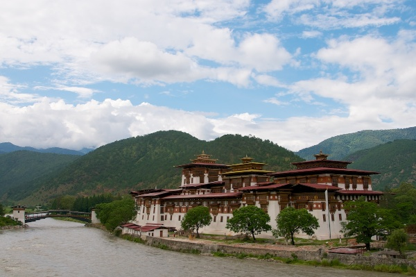 Travel Photography Tips Architecture  Punakha Dzong  Punakha Bhutan  Copyright 2013 Ralph Velasco