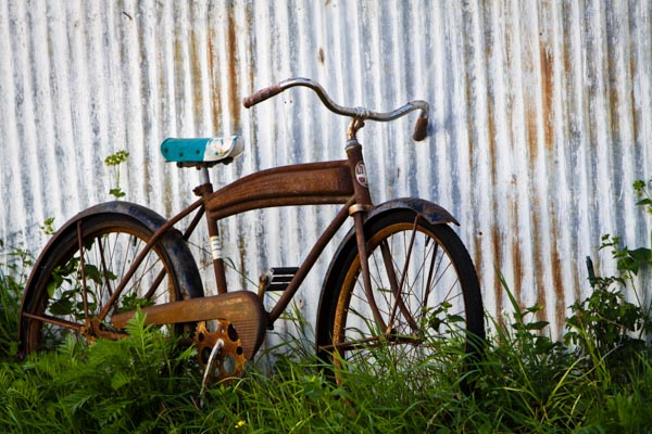 Everyone loves a card with an old rusty bicycle! ©Valerie Jardin