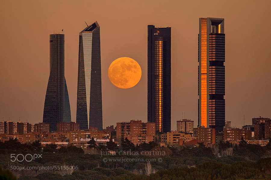 Photograph Madrid full moon by Juan Carlos Cortina  on 500px