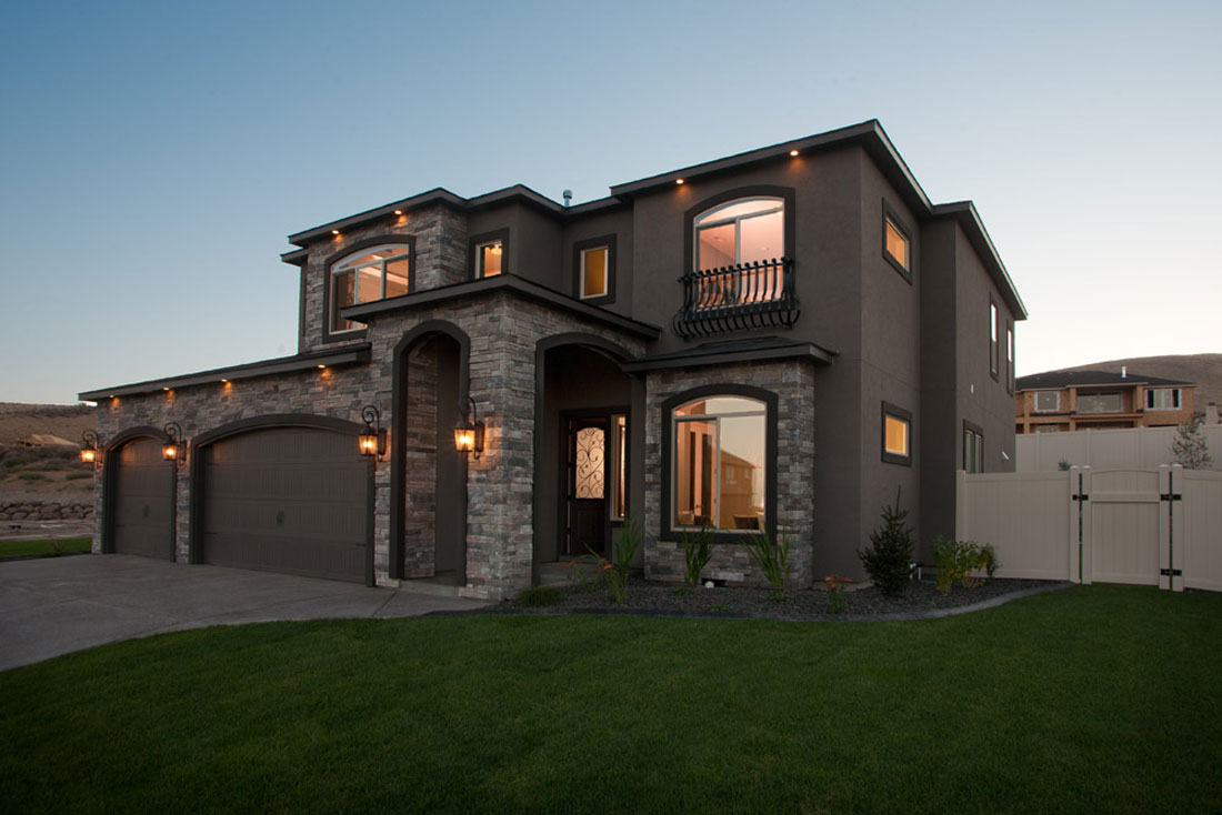 How To Photograph Real Estate Houses At Dusk and Sunset ...  Real Estate Photography Churches