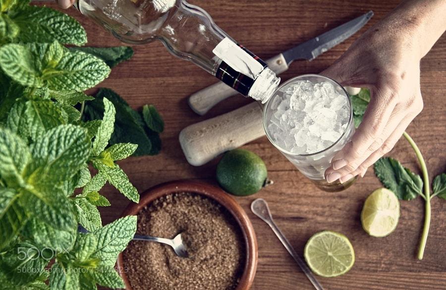 Photograph hands preparing mojito cocktail by Luis Mario hernandez Aldana on 500px