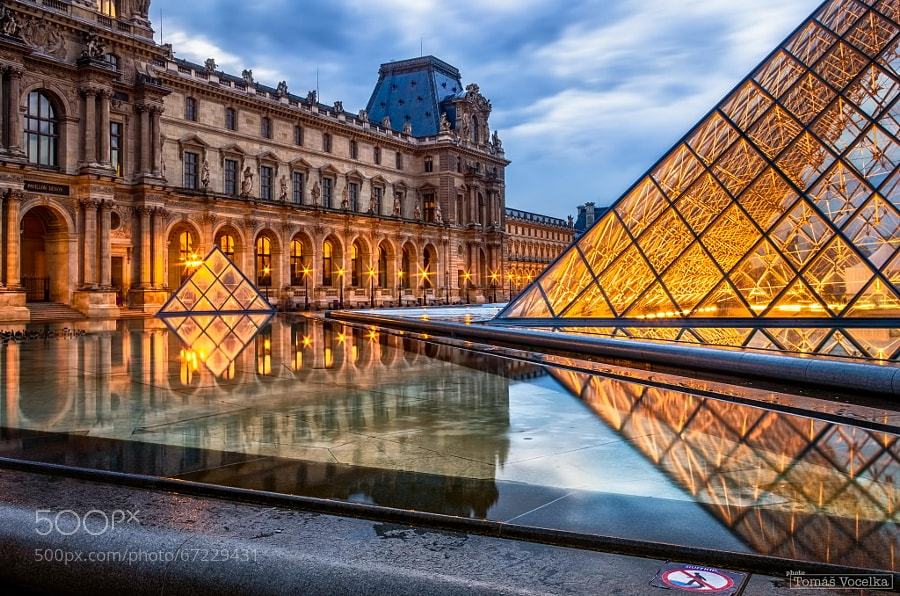 Photograph Louvre at dusk by Tomáš Vocelka on 500px