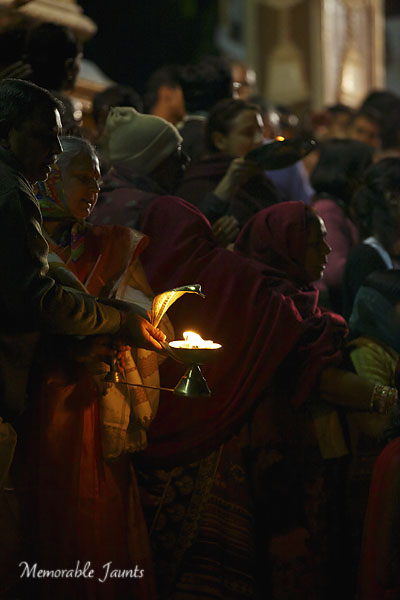 Photographing From The Hip Ganga Aarti In Rishikesh By Memorable Jaunts