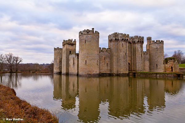 Cloudy_Bodiam_Castle_