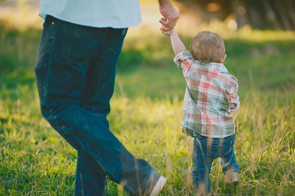 4 Reasons to Capture Images of You and Your Child Together Right Now