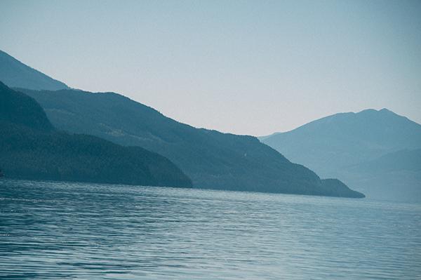 An off kilter horizon, not a pretty sight.