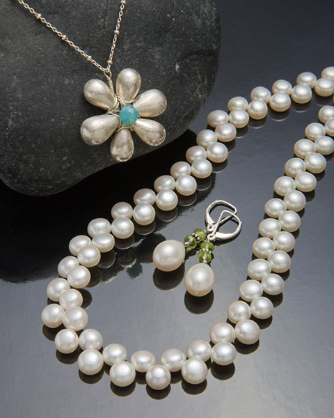 jewelry product shot using overhead light panel
