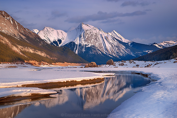 How to shoot mountain lake reflections