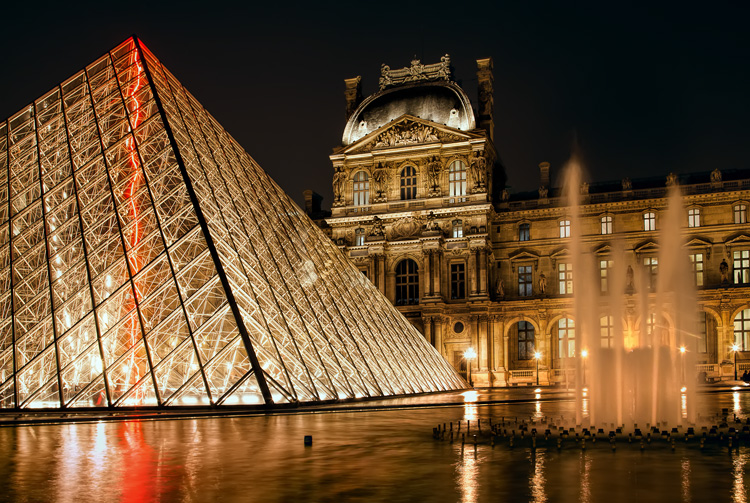 night photography tips exposure - Louvre example