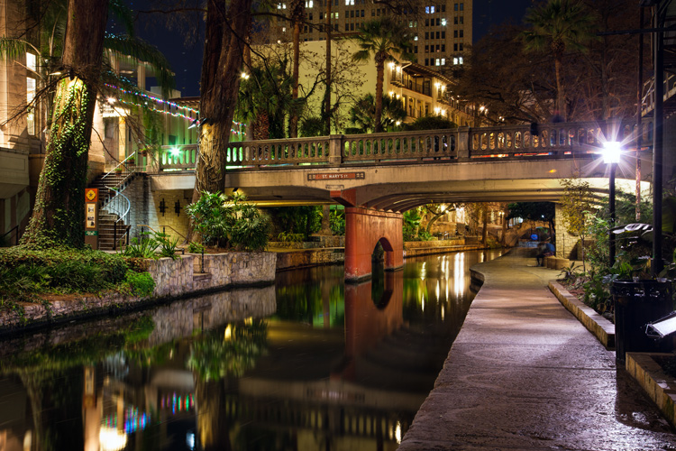 San Antonio riverwalk night photography tips exposure