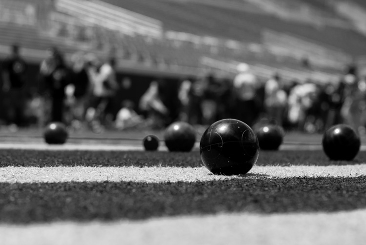 black-and-white-lightroom-balls-blue-filter