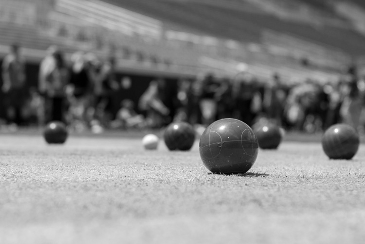 black-and-white-lightroom-balls-green-filter