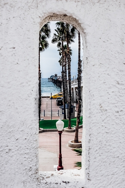 Framing a photo of a pier