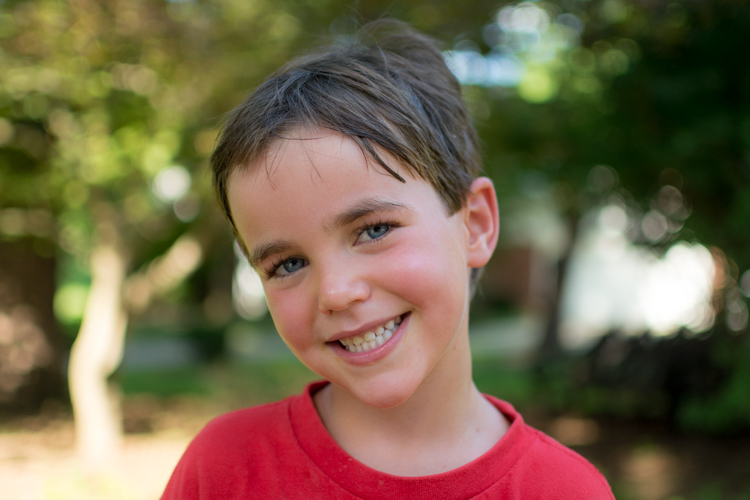 wait-to-share-photos-child-red-shirt