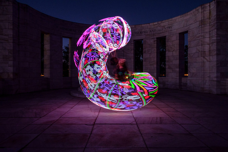 How to create beautiful light painting images with an for Lights for paintings