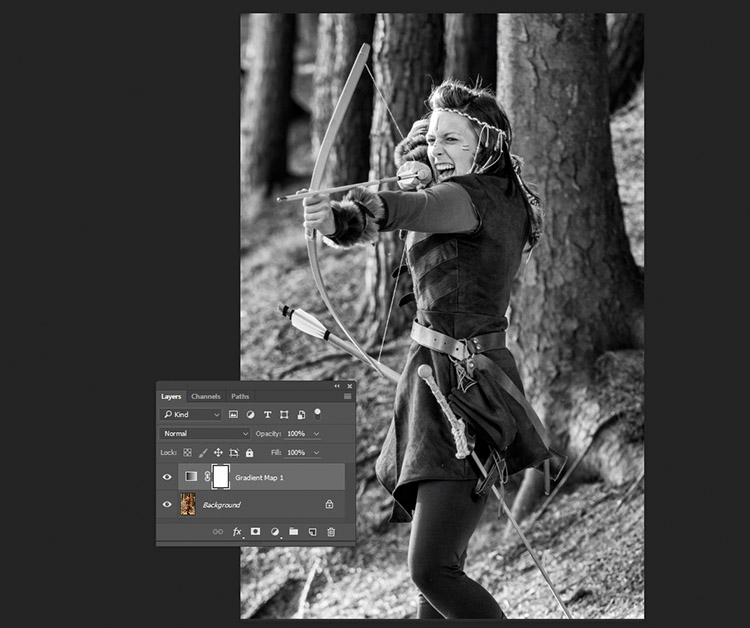 black-and-white-conversions-in-photoshop-gradientmap-basigradient-example