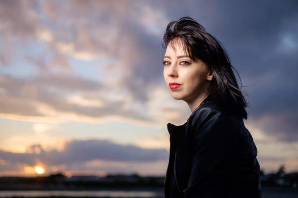Como tirar lindos retratos usando Flash e sincronização de alta velocidade