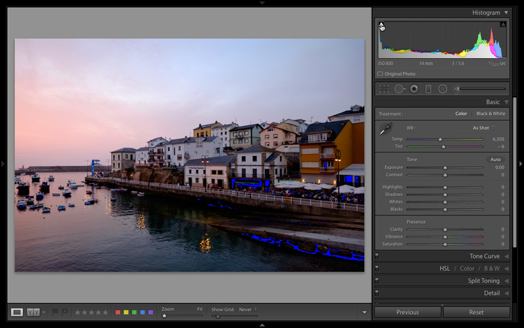 The Lightroom histogram clipped shadows