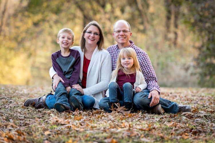 pose group portraits mom and dad and kids