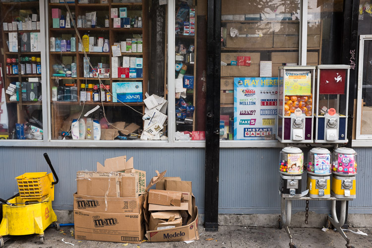 street photography - garbage