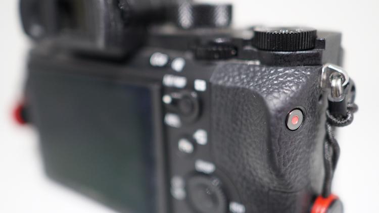 record button shooting video