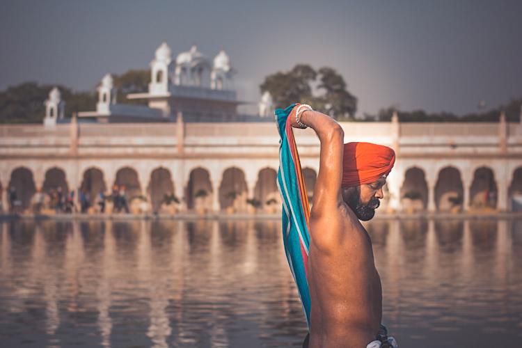 https://i1.wp.com/digital-photography-school.com/wp-content/uploads/2017/07/Gurudwara-Bangla-Sahib-Delhi.jpg?resize=750&ssl=1