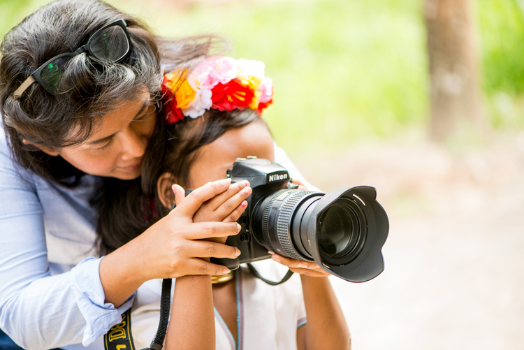 Small hands - 7 Questions That Will Help You Decide Which Camera To Buy