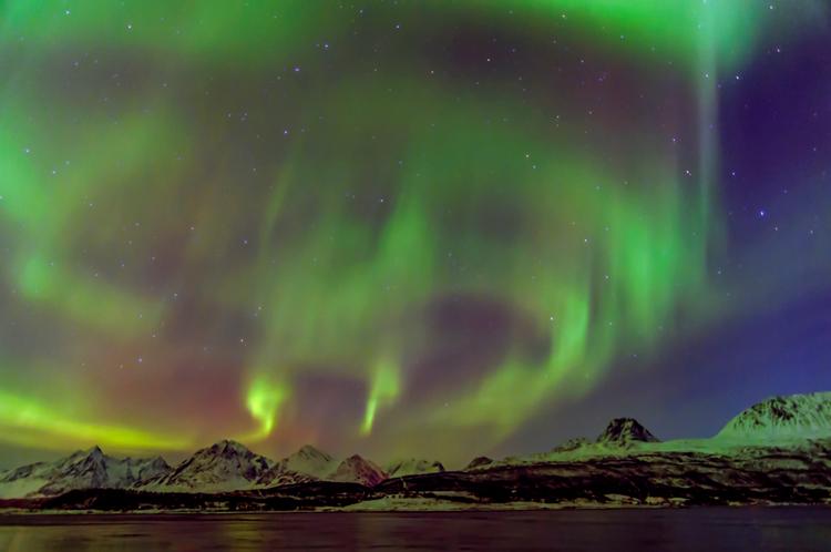 How to Photograph the Aurora Borealis - Nature's Night Light