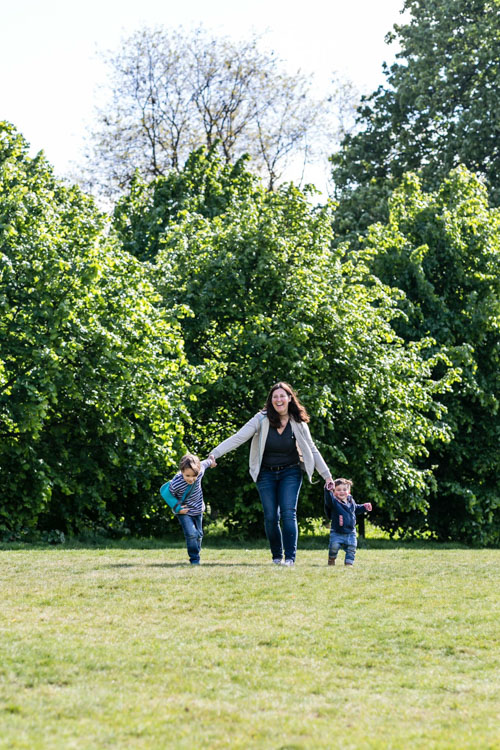 On the move - 10 Tips for Photographing moms and Their Kids