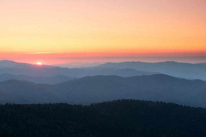 向太阳拍摄风景摄影的提示
